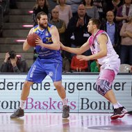 Tadas Klimavicius / Telekom Baskets Bonn vs. Kenneth Frease / Basketball L