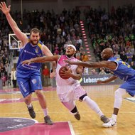 Eugene Lawrence / Telekom Baskets Bonn vs. Kenneth Frease, Keaton Grant / Basketball L