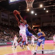 Jimmy McKinney / Telekom Baskets Bonn vs. Basketball L