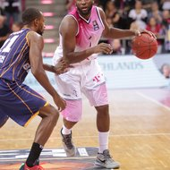 Jimmy McKinney / Telekom Baskets Bonn vs. Eisb