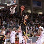 Telekom Baskets Bonn vs. Isaiah Philmore / Walter Tigers T