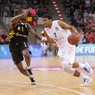 Ryan Thompson / Telekom Baskets Bonn vs. Anthony Myles / Walter Tigers T
