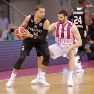 Nemanja Djurisic / Telekom Baskets Bonn vs. Kyle Weems / Besiktas Istanbul , Basketball Champions LeagueFoto: J