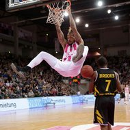 Telekom Baskets Bonn vs. Walter Tigers T