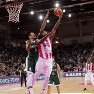 Charles Jackson / Telekom Baskets Bonn vs. Julian Gamble / Nanterre 92 , Basketball Champions League BCLFoto: J