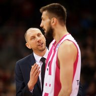 Trainer Chris O'Shea, Stefan Bircevic / Telekom Baskets Bonn vs. Gie