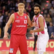 James Webb III / Telekom Baskets Bonn vs. Benjamin Lischka / Gie