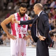 Trainer Chris O'Shea, Martin Breunig / Telekom Baskets Bonn vs. Eisb