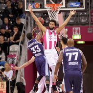 James Webb III / Telekom Baskets Bonn vs. Durrell Summers / Eisb