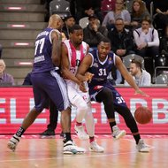 Yorman Polas Bartolo / Telekom Baskets Bonn vs. Elston Turner / Eisb