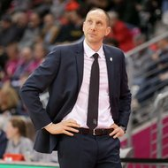 Trainer Chris O'Shea / Telekom Baskets Bonn mit Haribo T