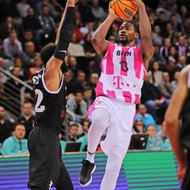 Yorman Polas Bartolo / Telekom Baskets Bonn vs. PAOK Thessaloniki , Basketball Champions League Foto: J