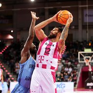 Martin Breunig / Telekom Baskets Bonn vs. John Brown / Happy Casa Brindisi , Basketball Champions LeagueFoto: J